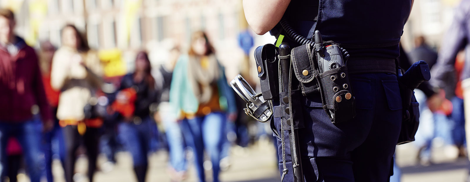 polizei in fussgaengerzone